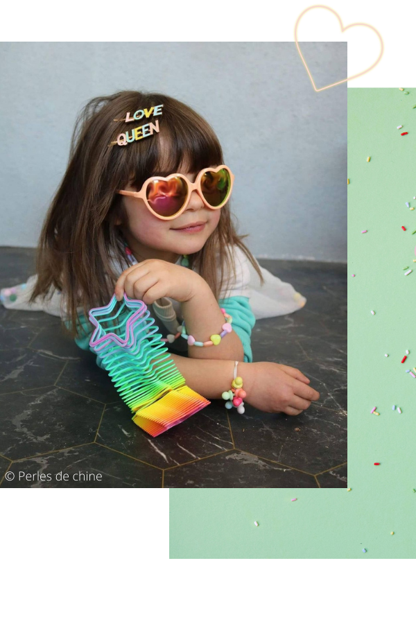 le-petit-souk-page-collection-la-vie-en-couleurs-ambiance-petite-fille-bijoux-pinces