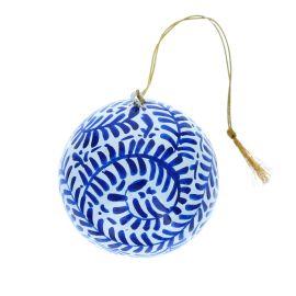 Boule de Noël bleue peinte à la main