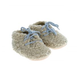 Chaussons laine bouclée écru lacets bleus